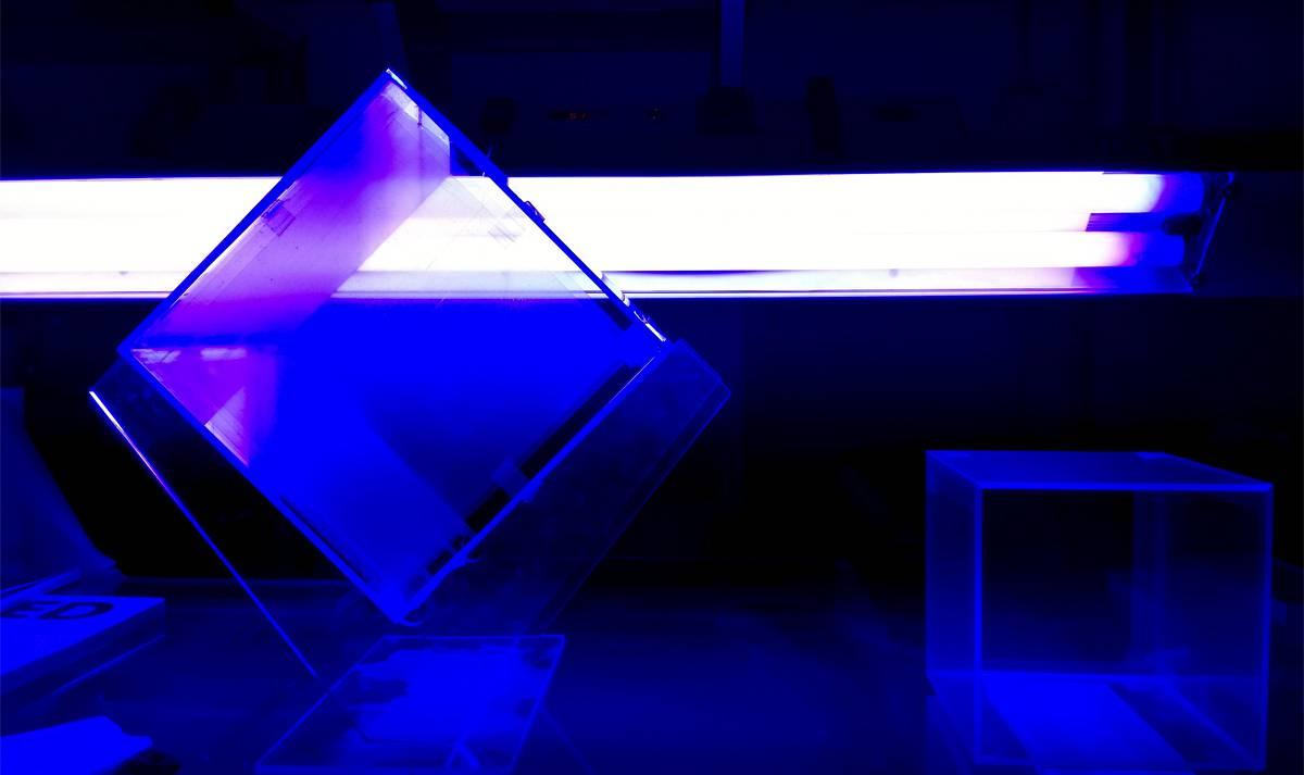 piegatura e incollaggio plexiglass e materie plastiche firma snc. Black Bedroom Furniture Sets. Home Design Ideas